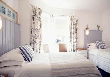 Double/Twin Room, En Suite, ground floor (inc. Cooked Breakfast and Buffet Table)