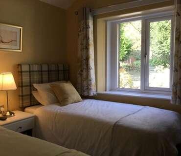 Twin En-suite Room (inc Breakfast) 1 adult