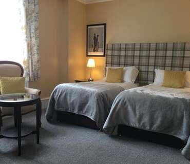 Twin En-suite Room (inc. Breakfast) (2 Adults, O Children)