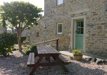 Poppy Cottage No. 2-Sleeps 4/5
