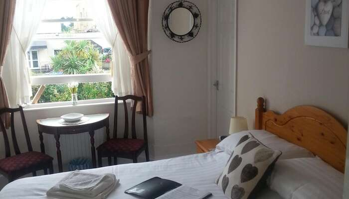 Double En suite Room 1st Floor ( inc Breakfast)