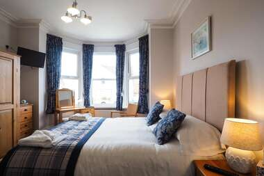 Kingsize En-suite Room ground floor (inc. Breakfast)