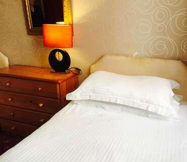 Single En Suite Room (Inc Breakfast )