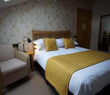 R6 -2nd Floor Standard Double En-suite Room (inc. Breakfast)
