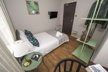 Room 14 - Double Room With Shared Bathroom