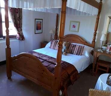 Room 3 - Four Poster En-Suite