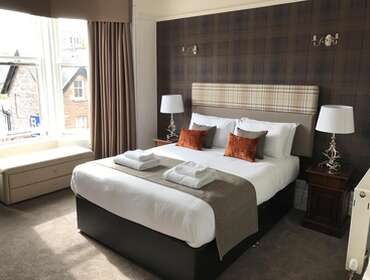 Delux King En-suite Room (inc. Breakfast)