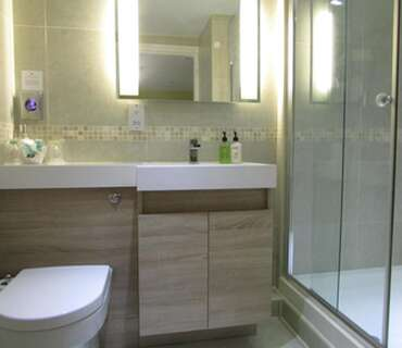 Luxury Twin En-suite for two adults