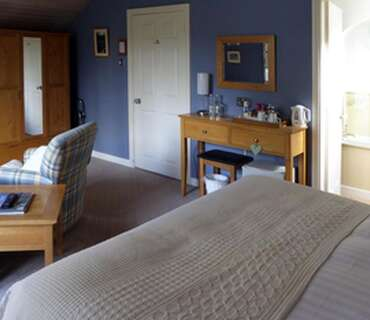 Superior Twin Room and Breakfast