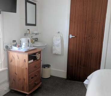 2nd floor Single En-suite Room (inc. Breakfast)