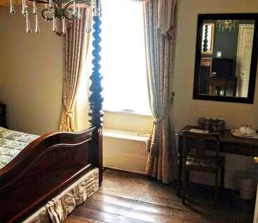 Lord Dundonald Double En-suite Room (inc. Breakfast)