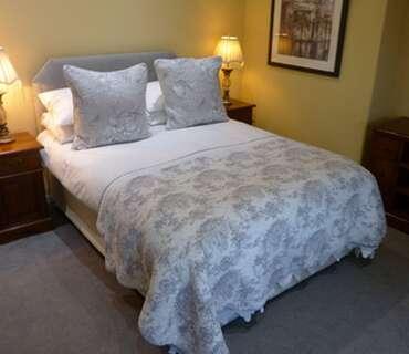 Family Room, En-suite. Room Only