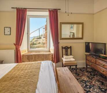 (ROOM 4) Standard Double with Limited Sea Views Room only*( NO BREAKFASTS )