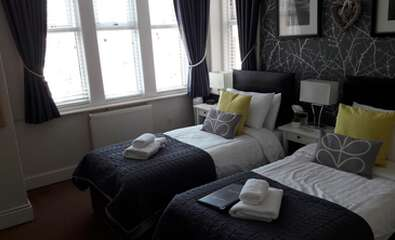 Twin Room En-suite (2 adults)