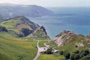 Valley of Rocks (1 mile)