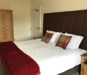 5.Superking En-suite Room (inc. Breakfast)
