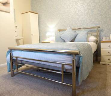 9 . Standard Single Room -Double Bed Including Breakfast