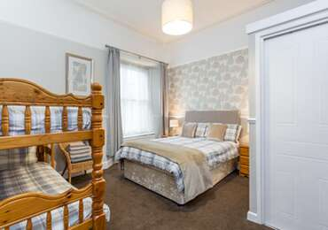 Family x 4 En-suite Room (inc. Breakfast)