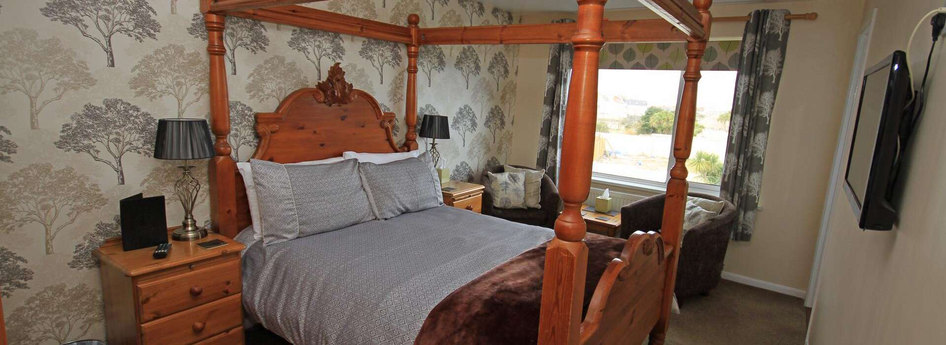 Pine Lodge, Bed and Breakfast in Newquay