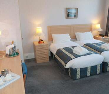 Bed And Breakfast - Deluxe Twin Bedded Room