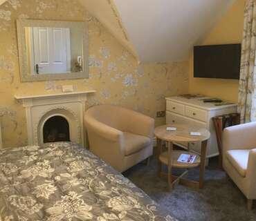 Double En-suite Room (inc breakfast) 2 adults