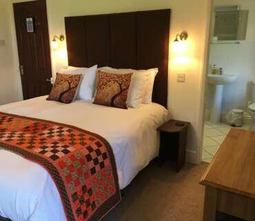 2.King Size En-suite Room (inc. Breakfast)